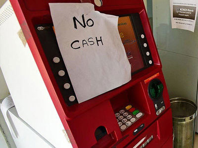 ATM : फक्त १५ दिवसांत ४५ हजार कोटी काढले