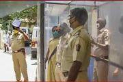 महाराष्ट्रात कोरोना व्हायरसची स्थिती नियंत्रणात येईपर्यंत महाराष्ट्र पोलिस मात्र कोरोनाच्या विळख्यात