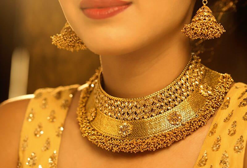 Gold Silver rates   सोनं, चांदीच्या दरात घसरण; जाणून घ्या आजचे दर