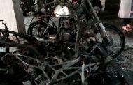 पिंपरी चिंचवडमध्ये पुन्हा जळीतकांड; मित्राच्या गाडीसह आजूबाजूच्या दहा दुचाकीही जळून खाक