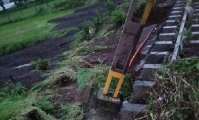 The railway between Monkey Hill and Palsadari collapsed in several places