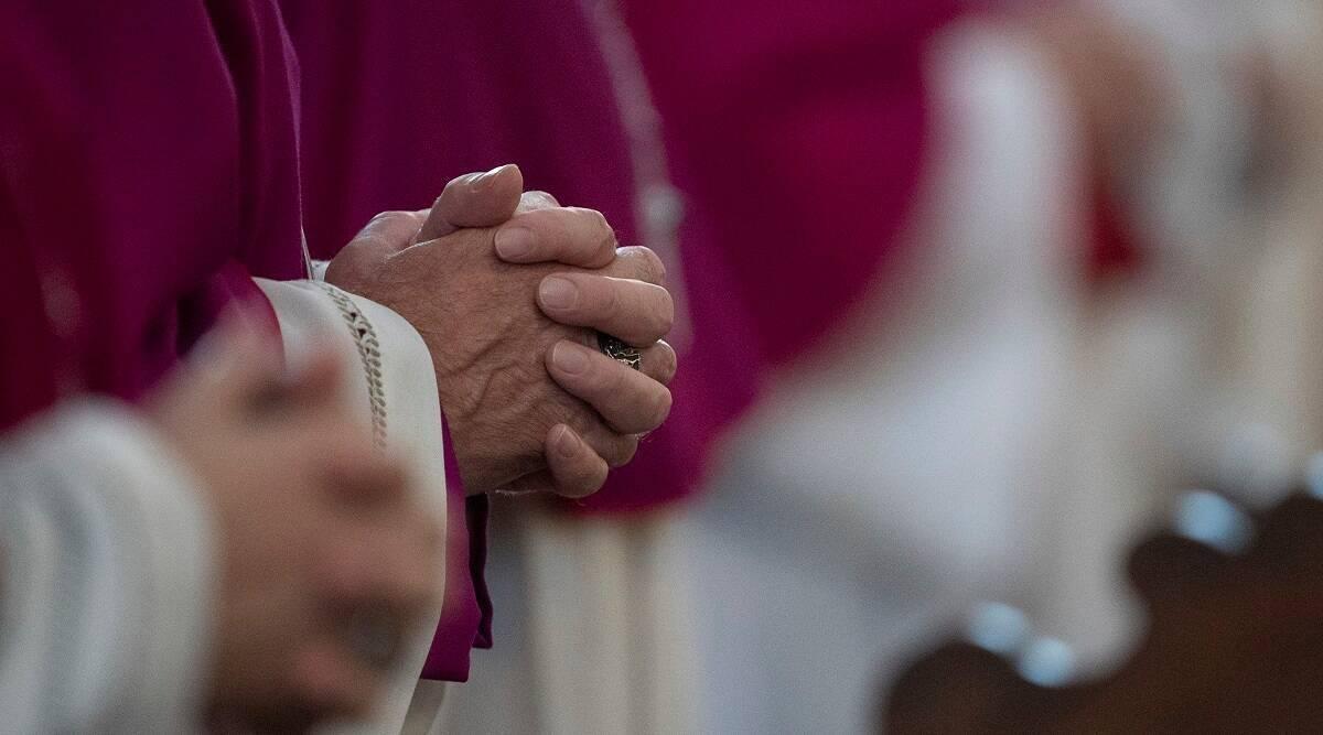 फ्रान्सच्या चर्चमध्ये तब्बल ३ लाख ३३ हजार मुलांचं लैंगिक शोषण, शेकडो धर्मगुरुंचा सहभाग; अहवालातून माहिती उघड