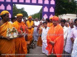 Mahamastakabhisheka-2006-Acharya-Sri-Vardhamansagarji-Maharaj-Mangala-Pravesh-0006