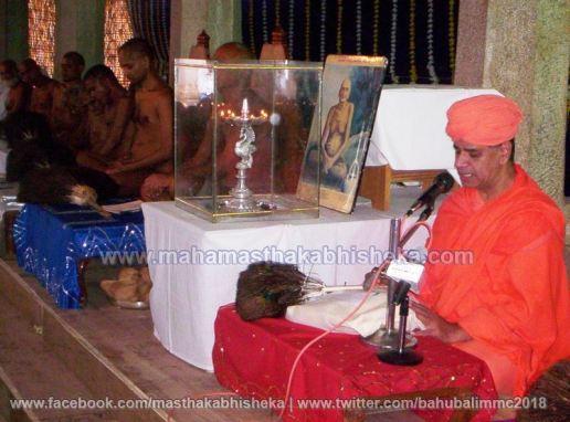 Mahamastakabhisheka-2006-Acharya-Sri-Vardhamansagarji-Maharaj-Mangala-Pravesh-0023