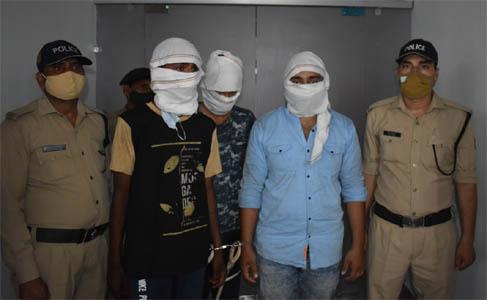 रामनगर : टैक्सी ड्राइवर की हत्या कर कार लूटने वाले 3 हत्यारोपी गिरफ्तार
