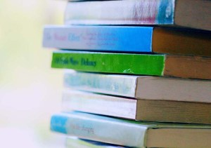torre_libros_autoras