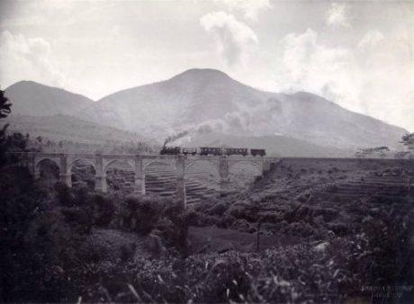 Jembatan Cingcin tempo dulu, jadi jalur kereta.
