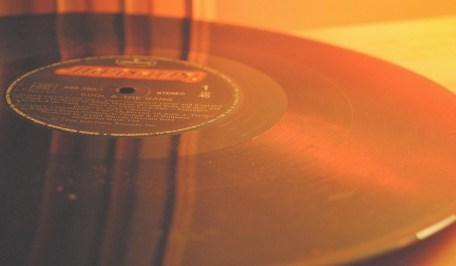 vinyl-1437600_1280