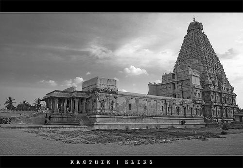 Brahadeeswarar Koil black and white