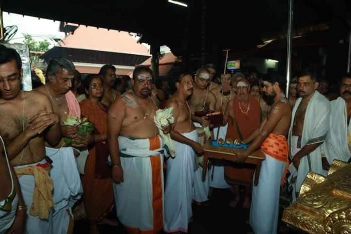 Pudhu Periyava Guruvayur-3