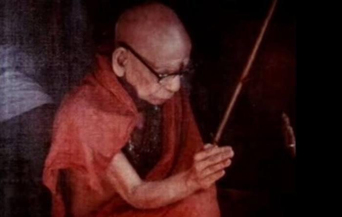 Mahaperiyava Blessing.jpg