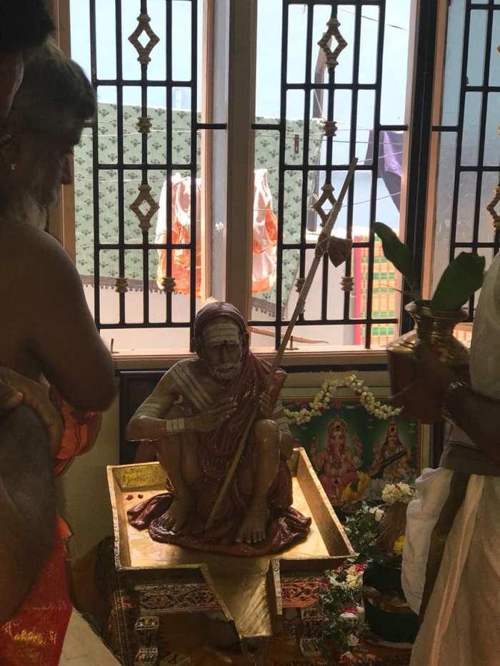 Periyava-small-vigraham1