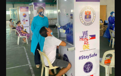 Workers, drivers in Manila grateful for free swab test