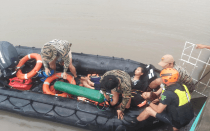 Navy troops rescue 4 during height of Typhoon Ulysses in CamSur