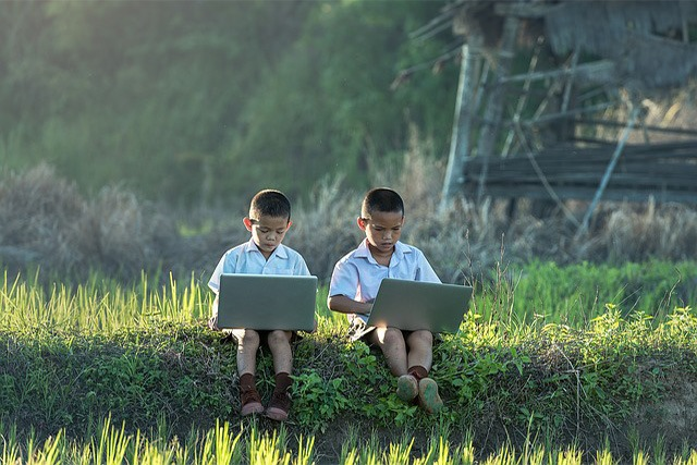 Students face lack of gadgets, unstable connections in online education