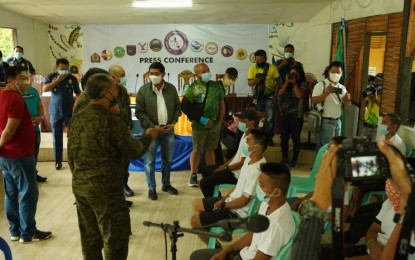 Davao Region guvs welcome surrender, dismantling of NPA front