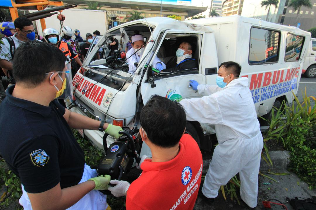 Ambulance-bus collision leaves 8 people wounded