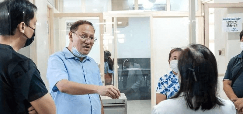Marikina mayor insists gov't officials should go first to encourage the public in the vaccination program