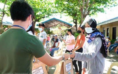 More tablets distributed to Ilocos Norte distance learners