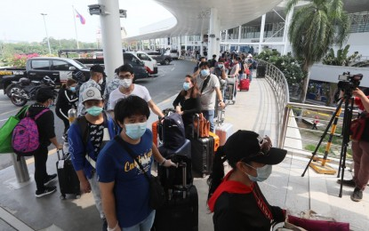 Health experts push strict quarantine rules for returning OFWs