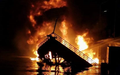 2 die, 3 hurt as vessel catches fire in Zambo City