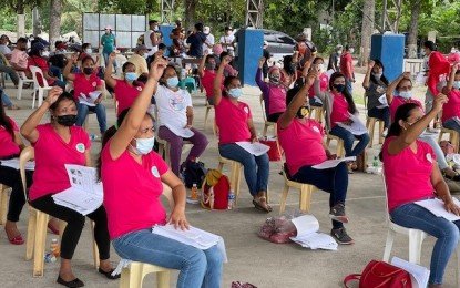 NegOcc town taps 90 volunteers as learning module tutors