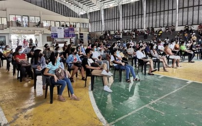 748 Boholanos avail of LTO's free driving course