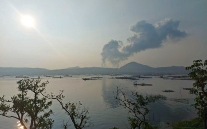 Taal continues to emit high levels of SO2 gas