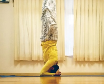 161201headstand01