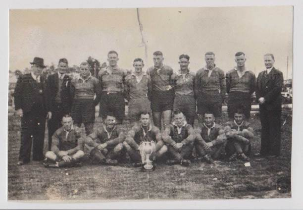Harden-Muurumburrah with their first Maher Cup victory 1940: back l-r ; Bill McInerney (Pres), Les Moore, Wally Tozer, Fred Schultz, Les Faint, Paul Foley, Ray Ceeney, Bill Edwards, Frank Ough, Fred Hume (Sec.); front, l-r; Sid Patterson, Len Reid, Bill Kinnane (capt-coach), Fred Byrnes, Tom Hawkins, Herb Ceeney.