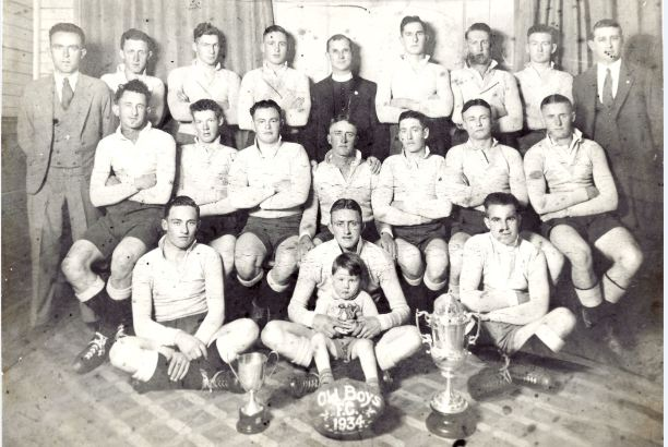 De La Salle Old Boys 1934 - most of who later played Maher Cup football.
