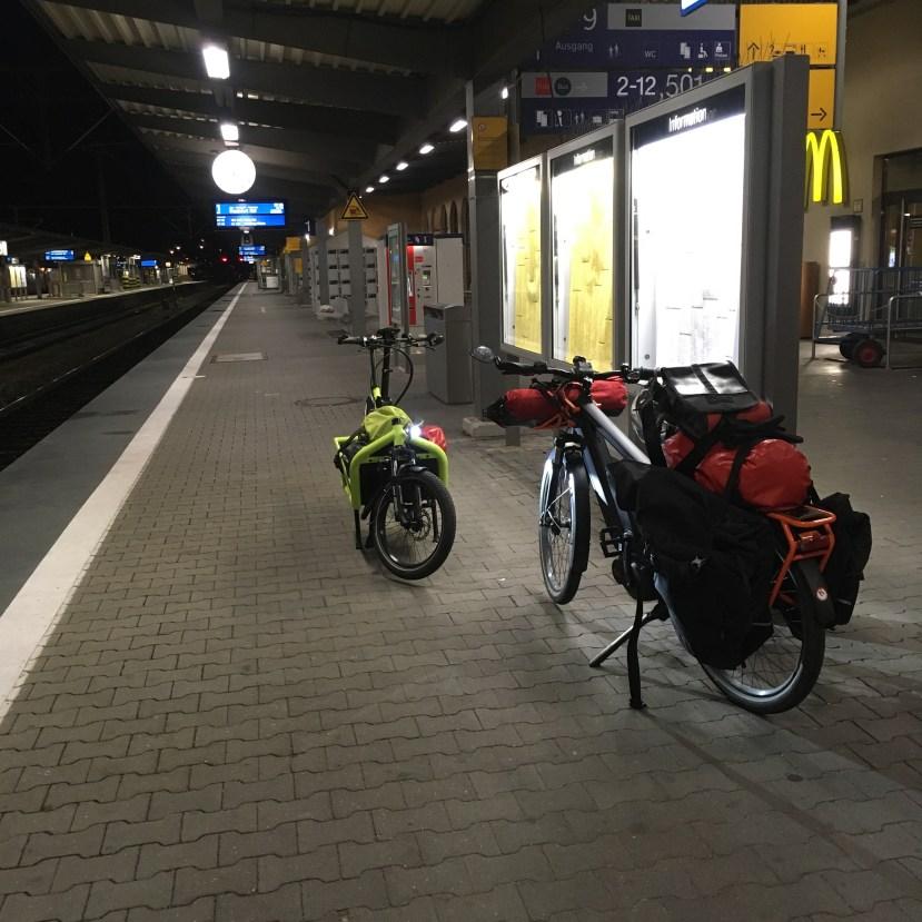 Am Bahnhof in Augsburg
