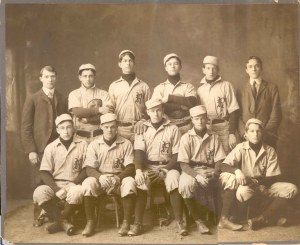 71-32-3 Rayen Baseball team 1901-1902