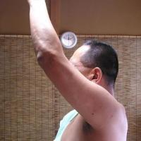 信じますか?つり革がつかめない、五十肩四十肩~福岡県宗像市在住~