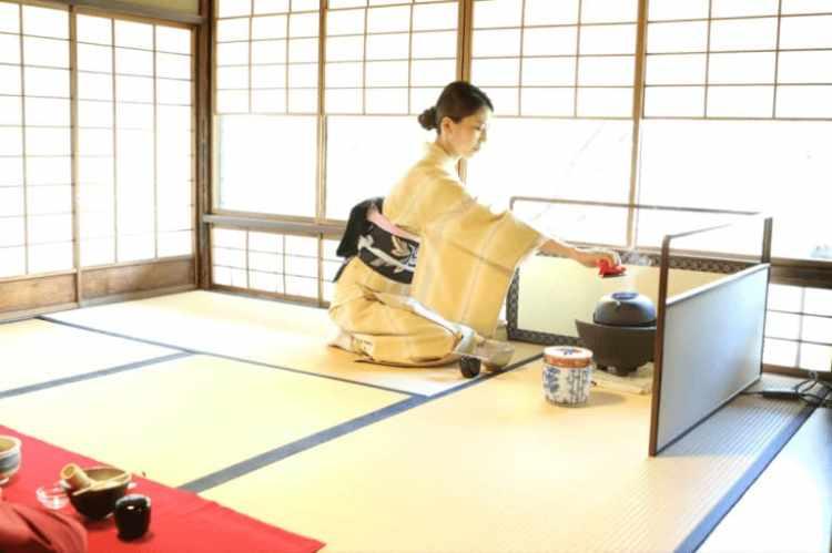 Maikoya Kimono Tea Ceremony in Tokyo