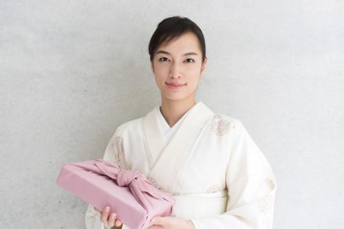 Maikoya-OsakaActivities-furoshiki001