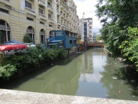 Estero dela Reina beside the FUB