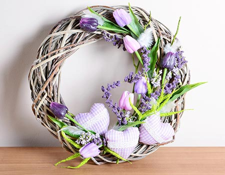 How to Clean Decorative Wreaths