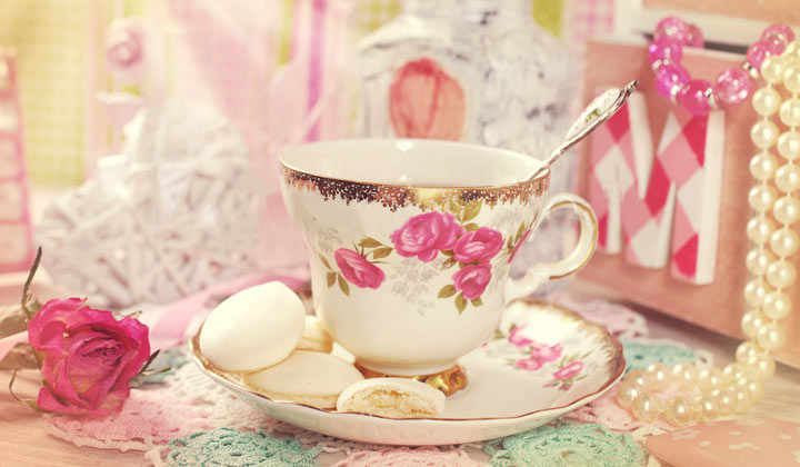 How to Clean Grandma's Fine China with baking soda