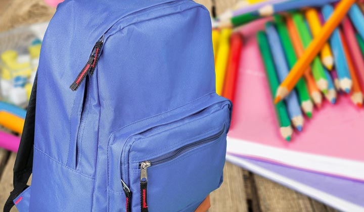Organize the child backpack