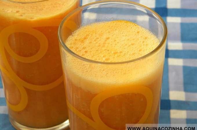Suco funcional de cenoura e abacaxi