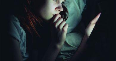 Chatroom – истината за онлайн общуването