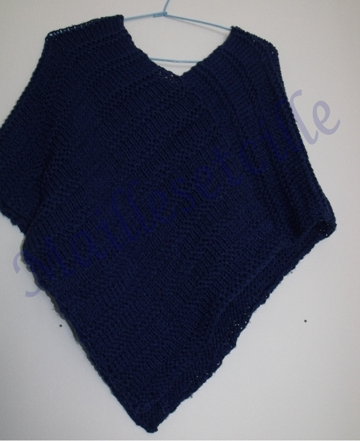 modele tricot poncho fille 2 ans
