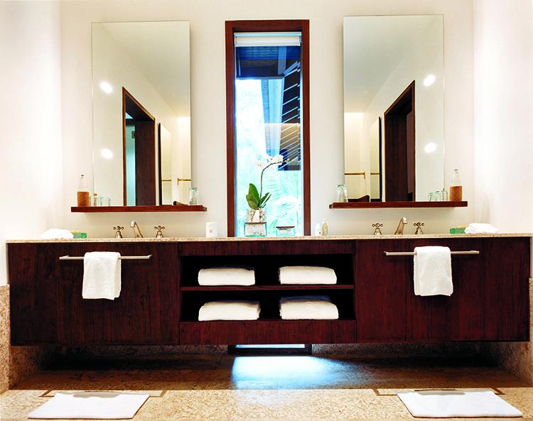 44182803-h1-2br_retreat_villa_bathroom_2-750