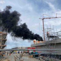 Feuer auf der Baustelle der IGS