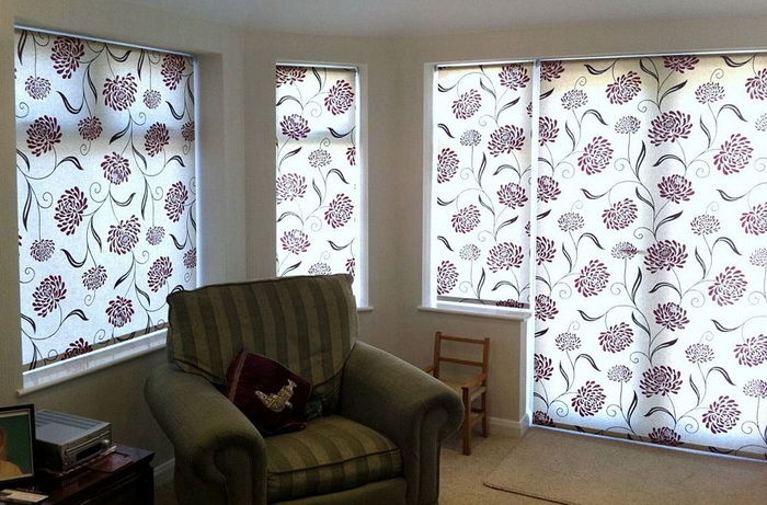 Рулонные шторы в гостиной