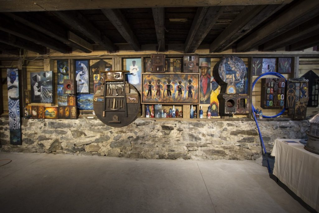 17SU minter daniel installation at Abyssinian Meeting House A Distant Holla exhibit portland