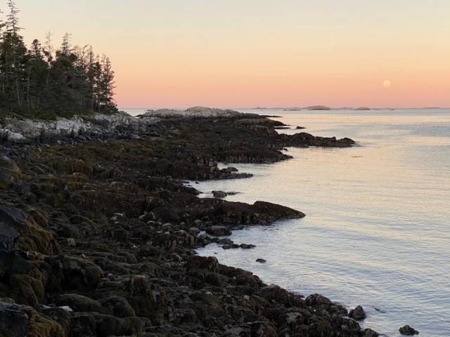 haut sunset-min
