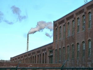 Mill with smokestack (300x225)