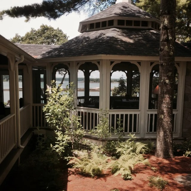 This screened porch was beautiful--complete with stone fireplace for those cool Maine evenings. Another place I could work.